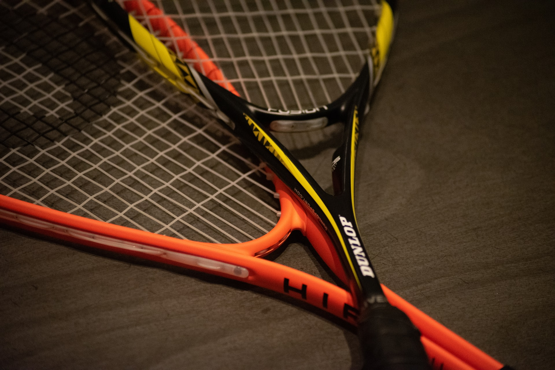 How to tell if your strings are dead and when to restring your racket